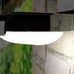 Design buitenverlichting: LED-lamp werkend op zonne-energie met bewegingssensor met 56% korting