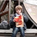 McDonald's deelt een plaagstoot uit aan Burger King in deze Duitse commercial