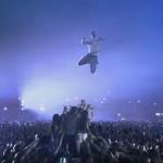 De nieuwe Pepsi commercial 'Crowd Surfing' met bekende voetballers als Messi en Torres