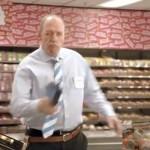 Albert Heijn winkel manager groeit uit tot grote held, ook in de commercial