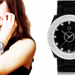 SWAROVSKI ELEMENTS Horloge € 17,99