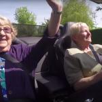Ditzo laat oma's supercars vergelijken