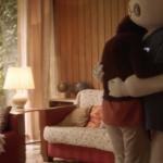 Robot B.E.N. (Bionically Engineered Nurse) zorgt voor eenzame Claudine