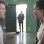 Deze romantische video is niet zo onschuldig als die lijkt!